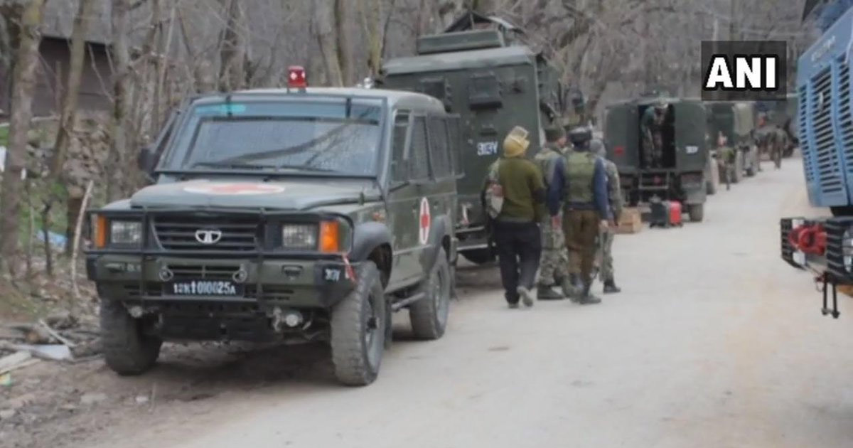 http://meranews.com/backend/main_imgs/Pulwama-terror_pulwama-terror-attack-master-mind-believed-to-be-killed-in-e_1.jpg?60