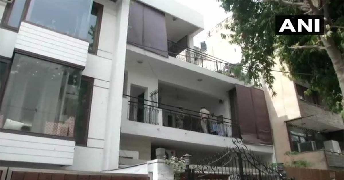 http://meranews.com/backend/main_imgs/Raid-it_income-tax-raids-at-premises-of-madhya-pardesh-cm-kamal-nath_0.jpg?25