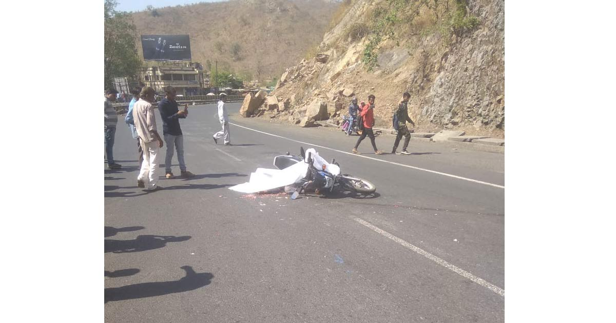 http://meranews.com/backend/main_imgs/accident-ready_biker-died-in-hit-and-run-accident-near-shamlaji_0.jpg?6