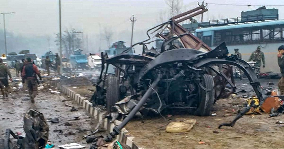 http://meranews.com/backend/main_imgs/crpf_pulwama-terror-attack-this-time-is-to-be-silent_0.jpg?18