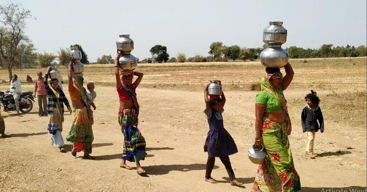 http://meranews.com/backend/main_imgs/modasa1_modasa-drinking-water-issue-here-read-about-ground-reality_1.jpg?56?91