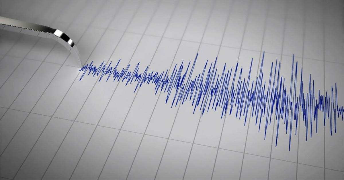 http://meranews.com/backend/main_imgs/quake_gujarat-earthquake-of-magnitude-35-hits-surat-navsari-and_0.jpg?33